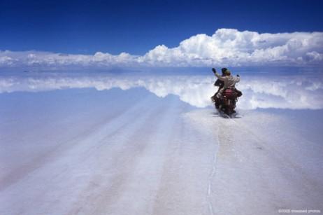Mjesta na Zemlji s vanzemaljskim izgledom Attraversando_il_Salar_de_Uyuni_Bolivia
